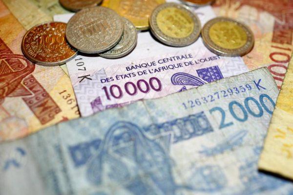 Certains intellectuels et activistes sénégalais soutiennent l'abandon du franc CFA. © Getty Images/Bloomberg / Contributeur